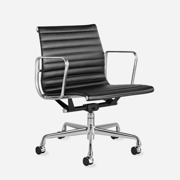 Eames ribbed management chair