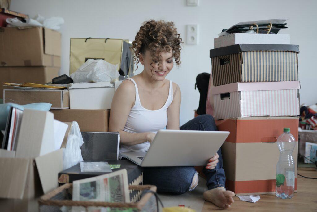 women buying online